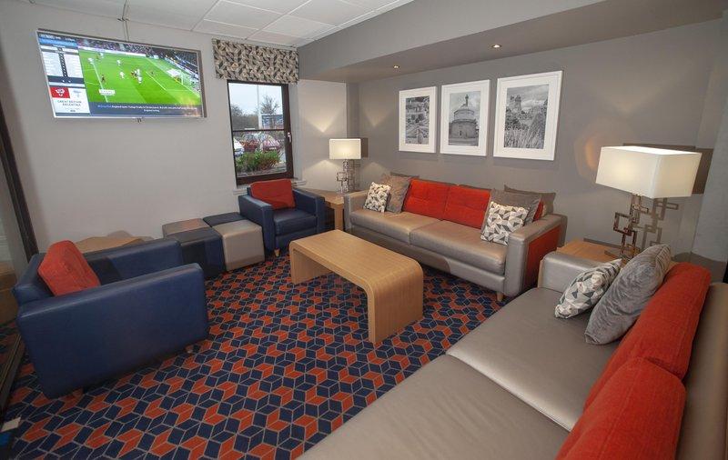Holiday Inn Express Perth-Lobby Bar<br/>Image from Leonardo