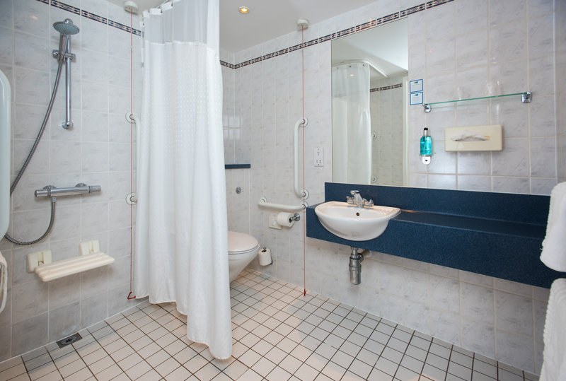 Holiday Inn Express Lichfield-Our accessible en-suites are wheelchair friendly<br/>Image from Leonardo