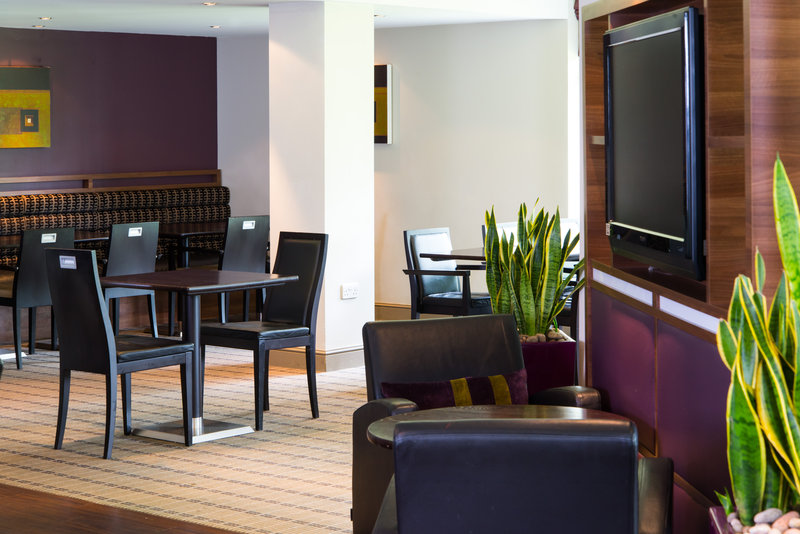Holiday Inn Express Stirling-Catch up with the latest news on our flatscreen TVs in our lounge<br/>Image from Leonardo