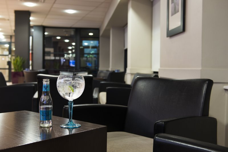 Holiday Inn Express Stirling-Grab a refreshing drink from our licensed bar and relax!<br/>Image from Leonardo