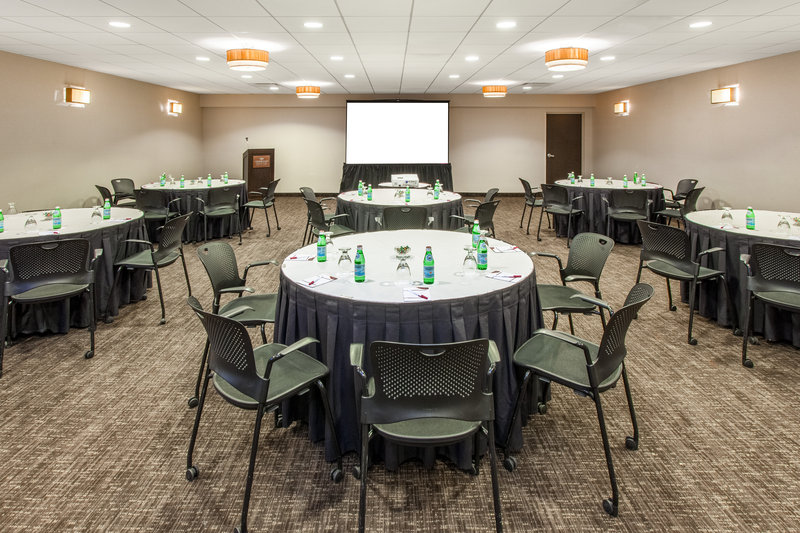 Crowne Plaza Chicago Ohare Hotel & Conference Center-Kennedy Rounds 1344 Sq. Ft.<br/>Image from Leonardo