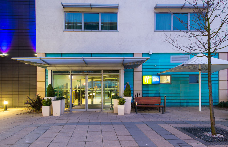 Holiday Inn Express Lincoln City Centre-Our team at Holiday Inn Express Lincoln eagerly await your arrival<br/>Image from Leonardo