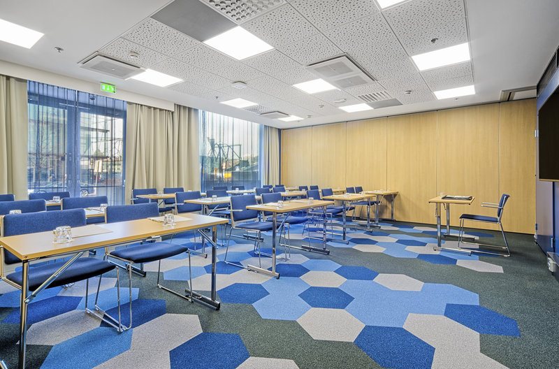 Holiday Inn Helsinki City Centre-Truman meeting room for up to 30 persons<br/>Image from Leonardo