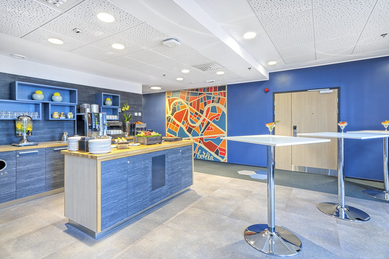 Holiday Inn Helsinki City Centre-Enjoy coffee and refreshments conveniently on your meeting breaks<br/>Image from Leonardo
