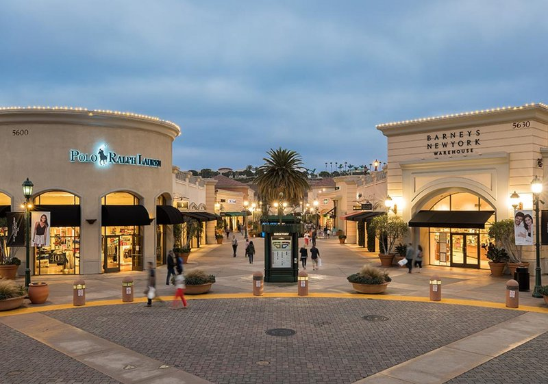Holiday Inn Express & Suites Carlsbad Beach 4.4/5 | 506 Revi-Carlsbad Premium Outlets - Adidas, Calvin Klein, Disney, Gap, Etc.<br/>Image from Leonardo