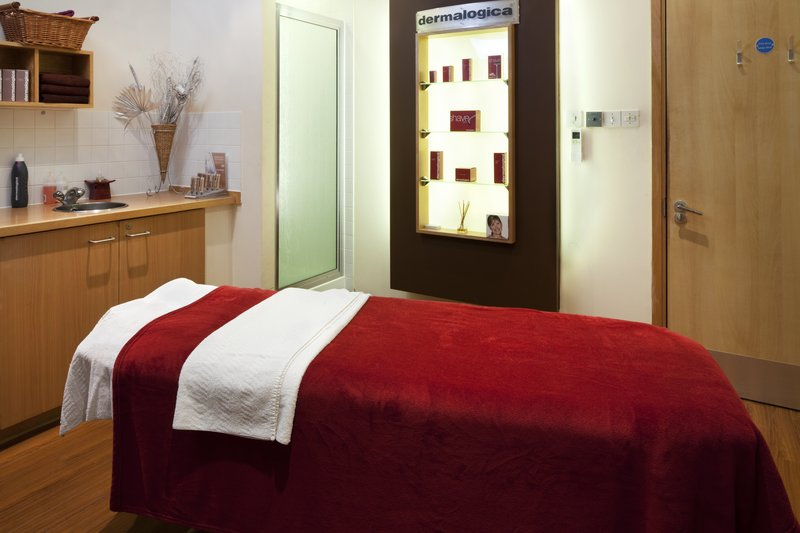 Holiday Inn Guildford-Relax and unwind at the Spa<br/>Image from Leonardo