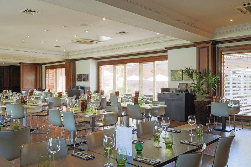 Holiday Inn Guildford-Restaurant<br/>Image from Leonardo