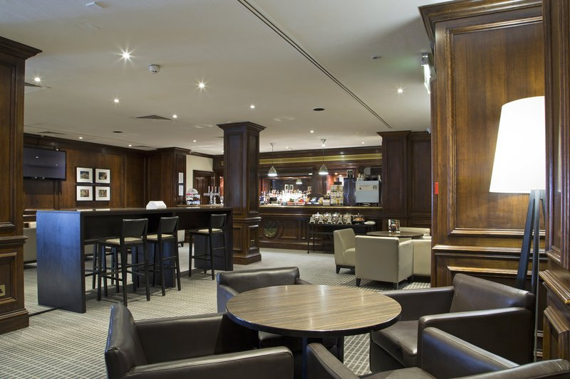 Holiday Inn Guildford-Modern Lobby Lounge at Welcome to Holiday Inn Guildford<br/>Image from Leonardo