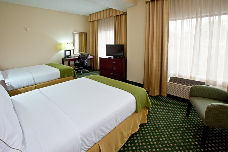 Holiday Inn Express & Suites Indianapolis - East-Double Bed Guest Room<br/>Image from Leonardo