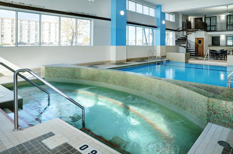 Hilton Winnipeg Airport Suites-Whirlpool<br/>Image from Leonardo
