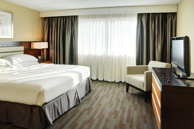 Hilton Winnipeg Airport Suites-King Suite Bed<br/>Image from Leonardo