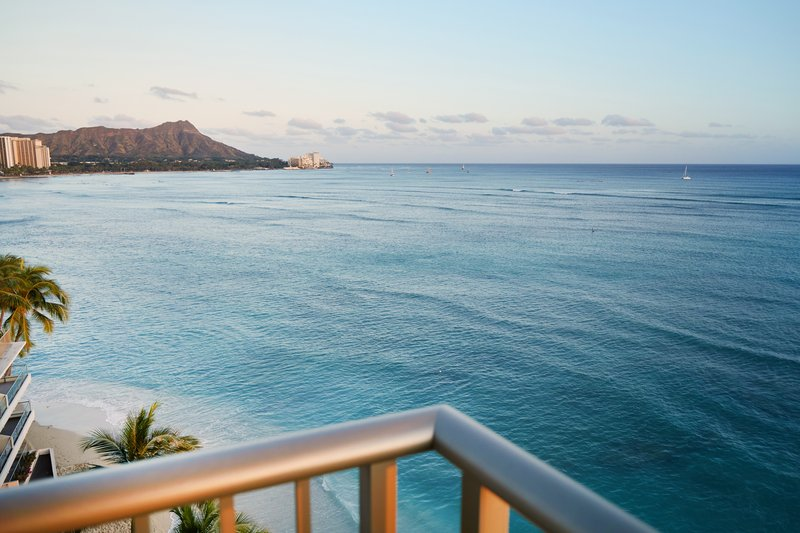 Outrigger Reef Waikiki Beach Resort - Outrigger Reef Waikiki Bdrm Oceanfrontsuite <br/>Image from Leonardo