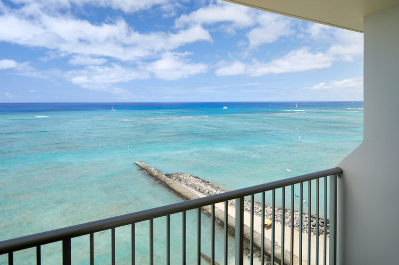 Outrigger Reef Waikiki Beach Resort - Outrigger Reef Waikiki Oceanfront King View <br/>Image from Leonardo