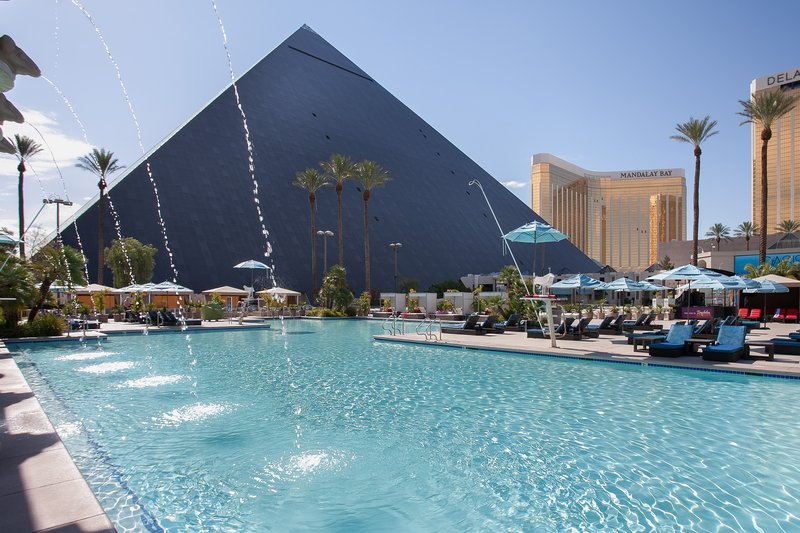 Luxor Resort and Casino-Pool<br/>Image from Leonardo