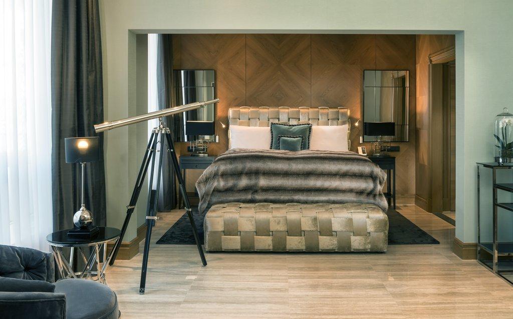 Hotel Palace Berlin - Park Suite Bedroom <br/>Image from Leonardo