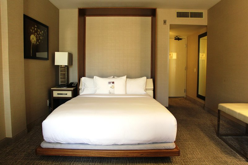 DoubleTree by Hilton Hotel Fresno Convention Center-Murphy Bed<br/>Image from Leonardo