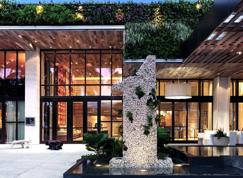 1 Hotel South Beach-1 Hotel Statue<br/>Image from Leonardo