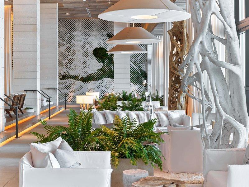 1 Hotel South Beach-Lobby Moss Man<br/>Image from Leonardo