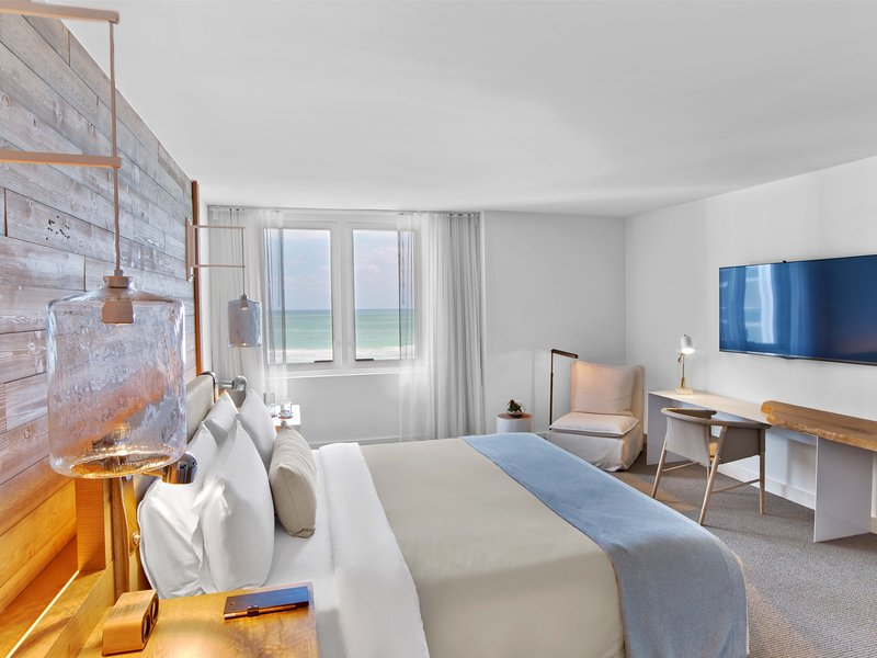 1 Hotel South Beach-Ocean Front 1-Bedroom Suite Balcony (OF1STB) bed<br/>Image from Leonardo