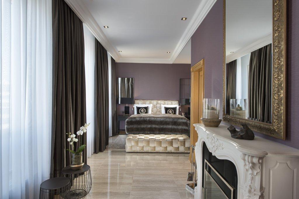 Hotel Palace Berlin - Royal Suite Sleeping Room <br/>Image from Leonardo