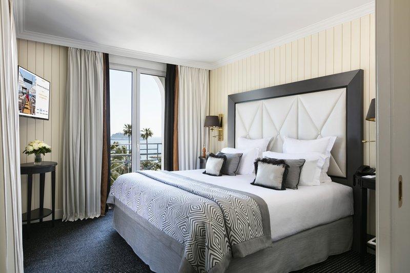 Hotel Majestic Barriere-Chambre Prestige Mer<br/>Image from Leonardo