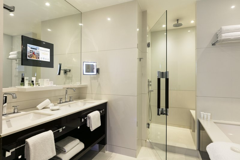 Hotel Majestic Barriere-Junior Suite<br/>Image from Leonardo