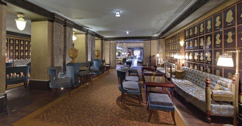 HOTEL METROPOLE MONTE CARLO-Salon des portraits<br/>Image from Leonardo