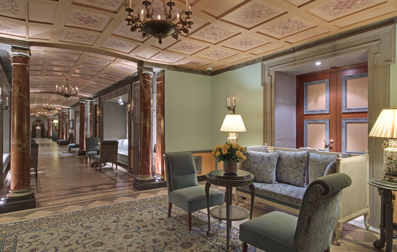HOTEL METROPOLE MONTE CARLO-Corridor<br/>Image from Leonardo