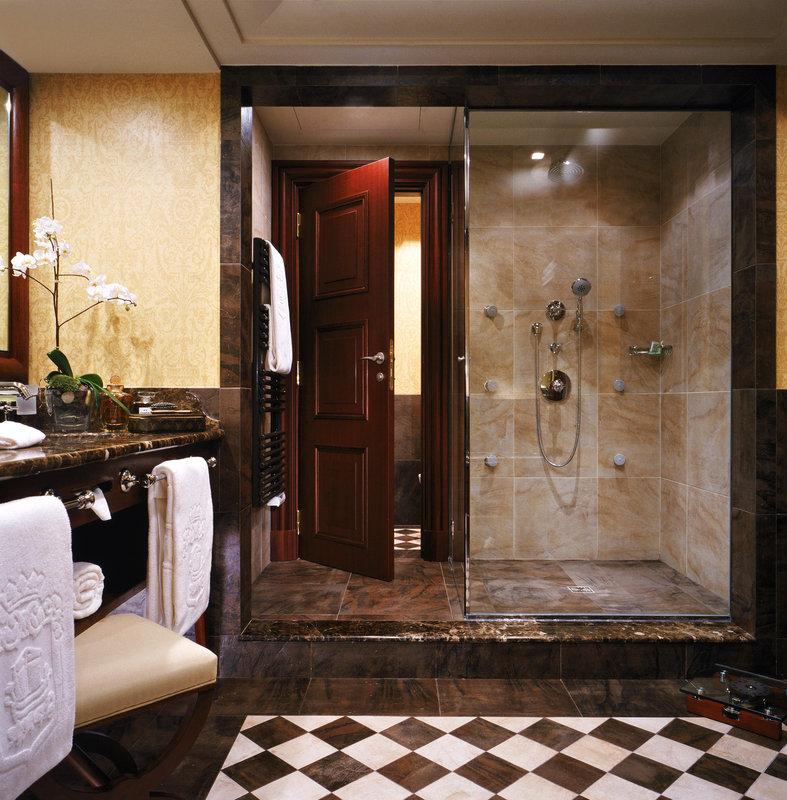 HOTEL METROPOLE MONTE CARLO-Prestige Junior Suite bathroom<br/>Image from Leonardo