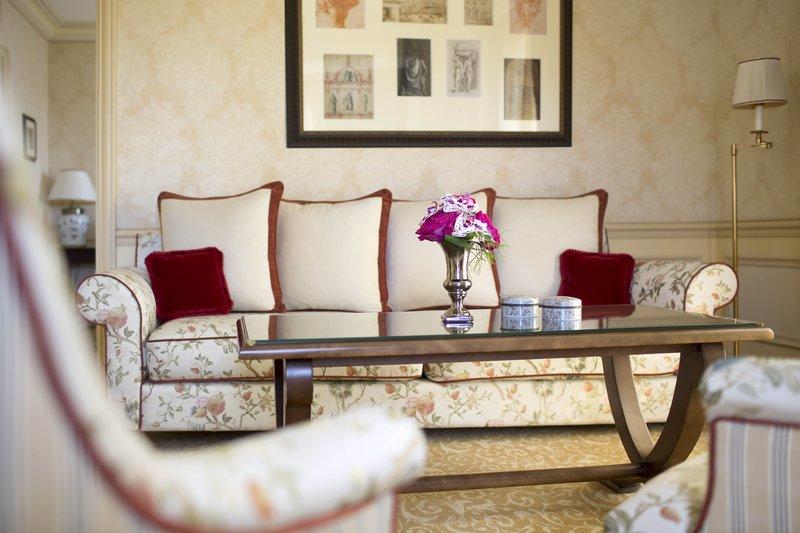 HOTEL METROPOLE MONTE CARLO-Deluxe Suite living room<br/>Image from Leonardo