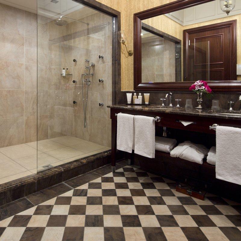 HOTEL METROPOLE MONTE CARLO-Prestige Suite bathroom<br/>Image from Leonardo