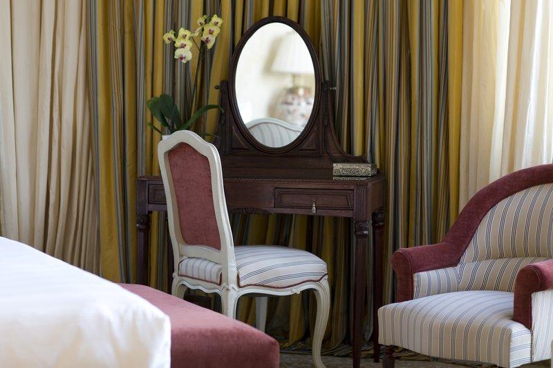 HOTEL METROPOLE MONTE CARLO-Azur Suite details<br/>Image from Leonardo
