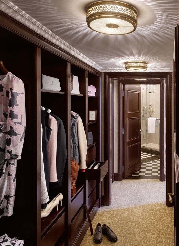 HOTEL METROPOLE MONTE CARLO-Azur Suite wardrobe<br/>Image from Leonardo