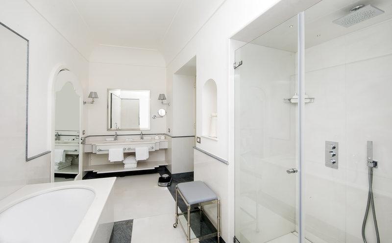 Hotel Villa Franca Positano-Studio Suite Bathroom<br/>Image from Leonardo