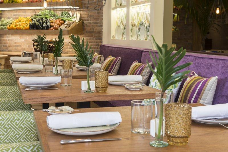 Gran Hotel Bahia del Duque-Alisios MarketFood<br/>Image from Leonardo