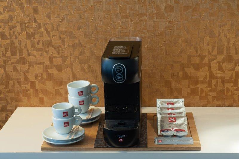 The Albus Hotel Amsterdam City Centre - SPLENDID CITY KING ROOM <br/>Image from Leonardo