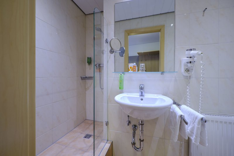 Victoria Hotel-Economy Single Room<br/>Image from Leonardo