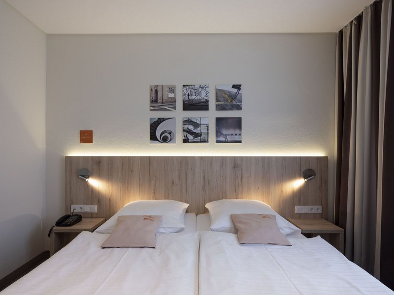 Victoria Hotel-Business Double Room<br/>Image from Leonardo