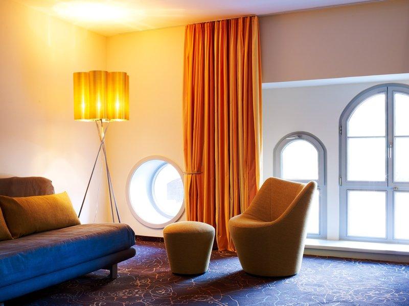 Victoria Hotel-Junior Suite<br/>Image from Leonardo