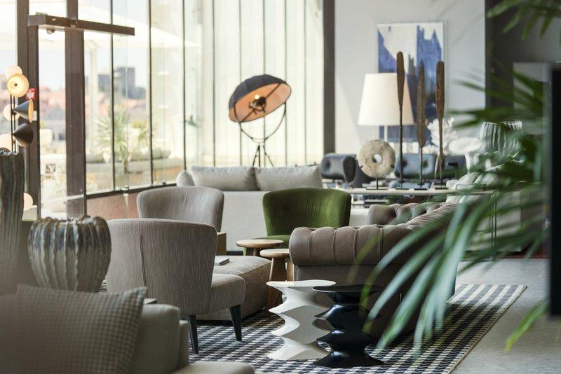 Excelsior-Abakus Piano Bar Interior Lounge<br/>Image from Leonardo