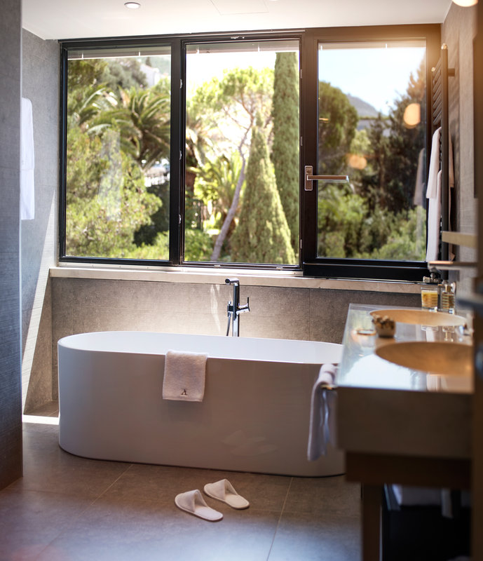 Excelsior-Executive Suite Bathroom - The Tower<br/>Image from Leonardo
