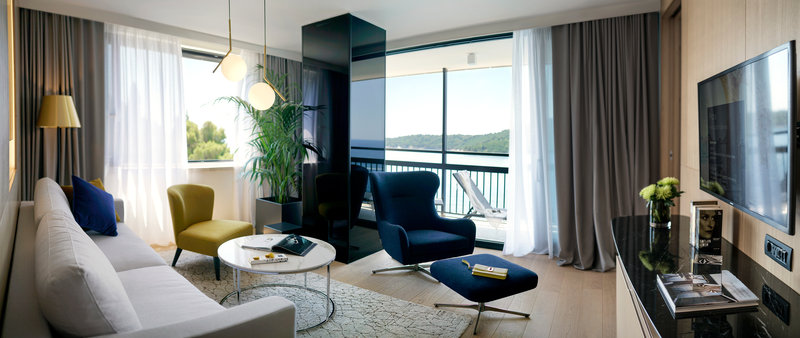 Excelsior-Executive Suite Living Room - The Tower<br/>Image from Leonardo