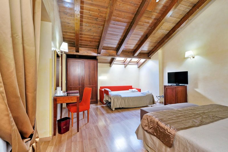 Camelia Hotel-Quadruple Room<br/>Image from Leonardo