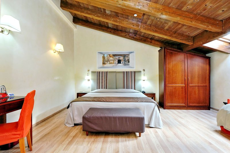 Camelia Hotel-Triple Room<br/>Image from Leonardo