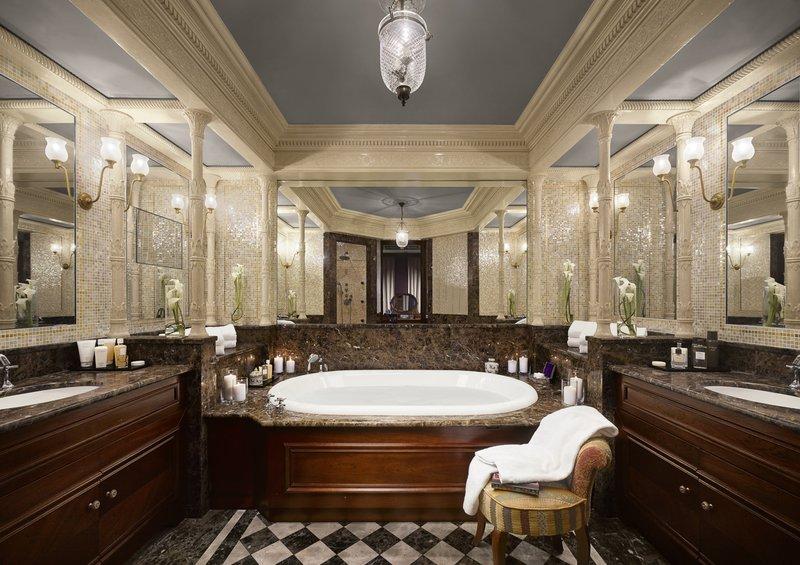 HOTEL METROPOLE MONTE CARLO-Suite Carré d'or bathroom<br/>Image from Leonardo