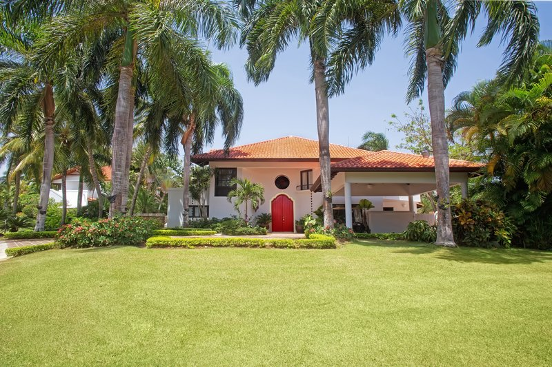 Casa De Campo - 4 Bedroom Classic Villa Front Door <br/>Image from Leonardo
