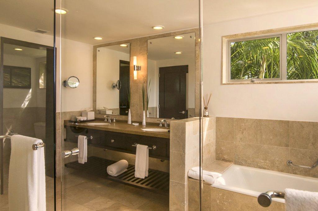 Casa De Campo - Elite Room Bathroom <br/>Image from Leonardo