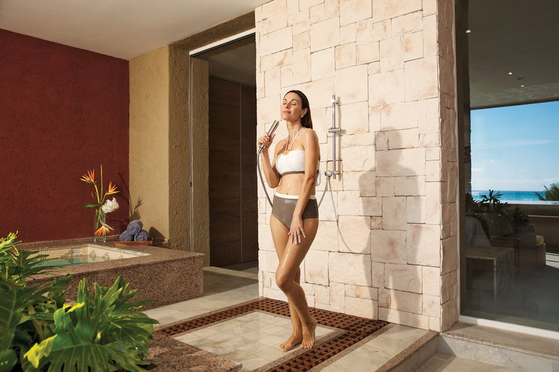 Zoetry Paraiso La Bonita - mpression Ocean Front Two Bedroom Presidential Suite Outdoor Shower <br/>Image from Leonardo