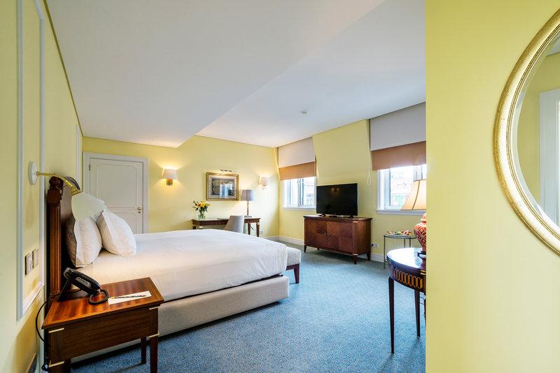 Hotel Infante Sagres-Suite<br/>Image from Leonardo