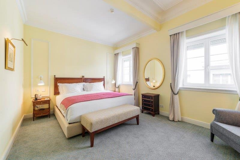 Hotel Infante Sagres-Deluxe Room<br/>Image from Leonardo